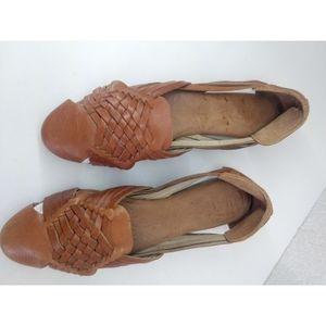BORN Woman's Sandals Sz 7.5